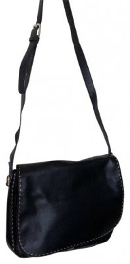 Preload https://item3.tradesy.com/images/liz-claiborne-wred-built-in-organizing-pockets-card-slots-etc-adjustable-strap-like-new-black-red-in-141372-0-0.jpg?width=440&height=440