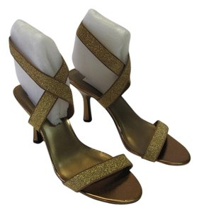 Dyeables Size 9.00 M Very Good Condition Gold, Bronze Sandals
