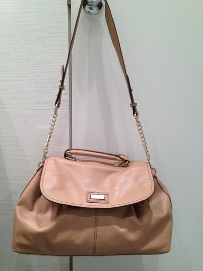 BCBGMAXAZRIA Leather Tote Likenew Shoulder Bag