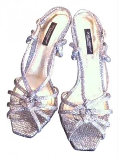Preload https://item1.tradesy.com/images/dolce-and-gabbana-silver-pumps-141405-0-0.jpg?width=440&height=440