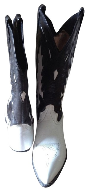 Black and White Boots/Booties Size US 7 Regular (M, B) Black and White Boots/Booties Size US 7 Regular (M, B) Image 1