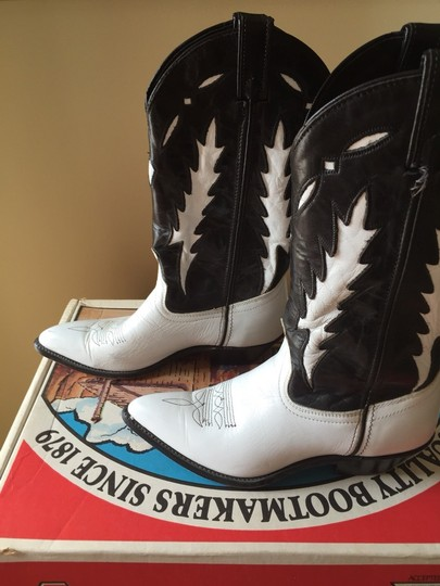 Western Cow Girl Boots Leather Black and White Boots