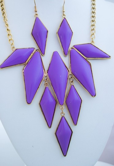 0 Degrees Hot Purple Gold Diamond Shape Colored Stone Necklace/ Earrings Set!