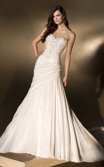Preload https://item4.tradesy.com/images/essense-of-australia-ivory-d1408-formal-wedding-dress-size-10-m-1414403-0-0.jpg?width=440&height=440