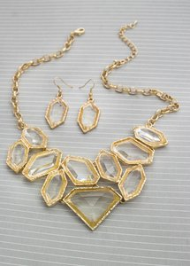 0 Degrees Clear Crystal Diamond Shaped Necklace/Earring Set!