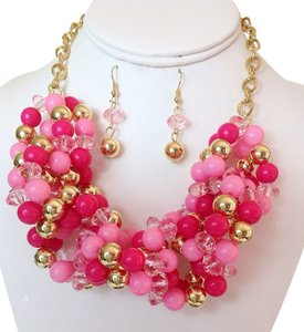 0 Degrees Twisted Faux Pearls Necklace/Earrings Set!