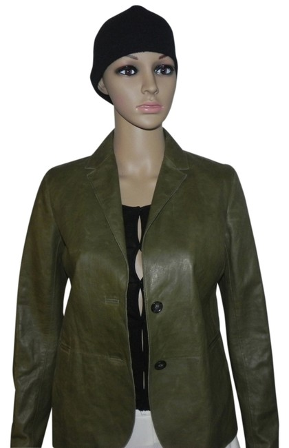 Preload https://img-static.tradesy.com/item/1414542/vince-green-2-button-leather-jacket-pant-suit-size-4-s-0-0-650-650.jpg