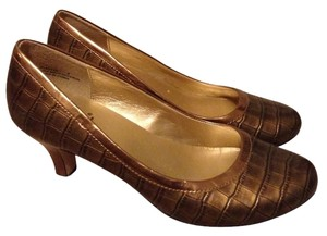 Yellow Box Bronze Pumps
