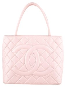Chanel Medallion Caviar Shopping Grand Gst Pst Gold Hardware Ghw Flap Classic Timeless Cc Logo Woc Boy Wallet Chain Jumbo Tote in Pink