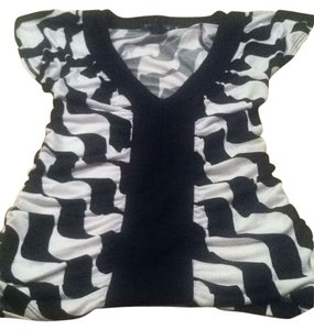 Rampage Top black and white