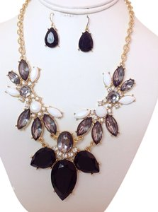 0 Degrees Trendy Woman Necklace/earring Sets!