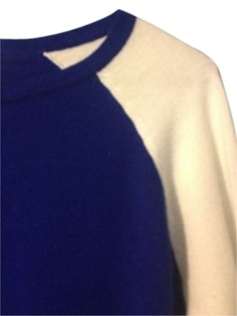 Preload https://item5.tradesy.com/images/forever-21-royal-blue-and-white-sweaterpullover-size-4-s-141599-0-0.jpg?width=400&height=650