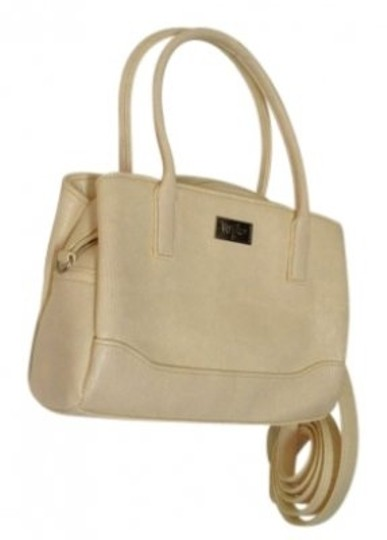 Preload https://img-static.tradesy.com/item/141647/mossimo-supply-co-removable-strap-cute-off-white-satchel-0-0-540-540.jpg