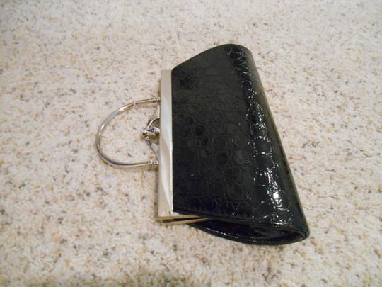 Chinese Laundry Purse Clutch Patent Evening Evening Formal Casual Fun Vintage Vintage Look Embossed Hinged Hinge Hinged Shiny Holiday Satchel in Black with Silver