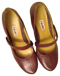Tsubo Mecca, Chartreuse, Brown Pumps