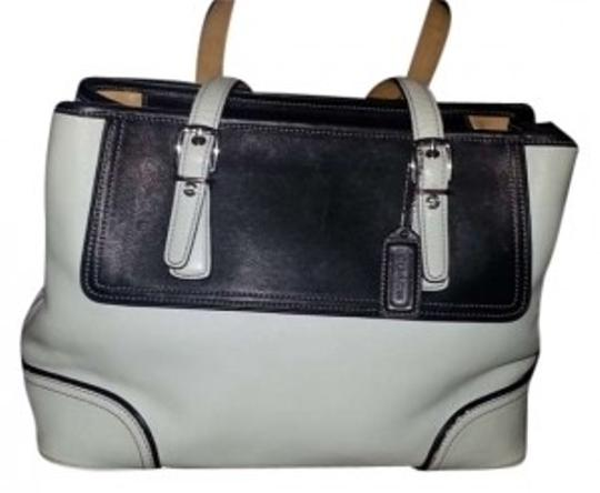 Preload https://item5.tradesy.com/images/coach-winter-white-and-black-leather-shoulder-bag-141679-0-0.jpg?width=440&height=440