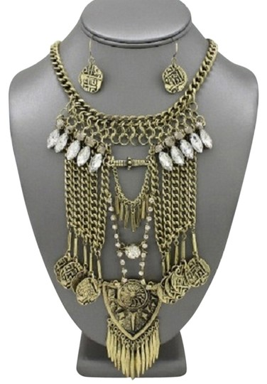 Preload https://img-static.tradesy.com/item/14174785/clear-crystal-antique-gold-fringed-metal-rhinestone-tribal-boho-necklace-0-1-540-540.jpg