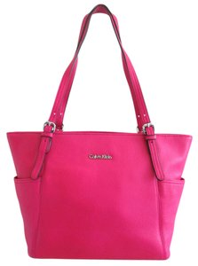 Calvin Klein Tote in Fruit Punch