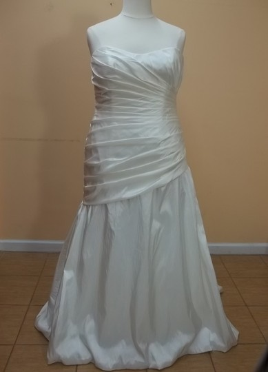 Alfred Angelo Diamond White Taffeta 2124w Formal Wedding Dress Size 18 (XL, Plus 0x)
