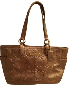 Coach Tote in Gold/Brown