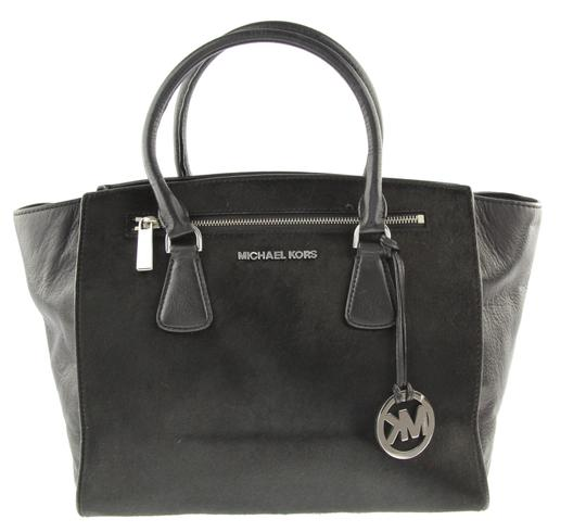 Preload https://img-static.tradesy.com/item/14182627/michael-kors-large-sophie-black-leather-satchel-0-2-540-540.jpg
