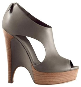 Gucci Leather High Heel Open Toe Runway Sandals Grey Platforms