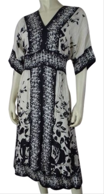 Preload https://img-static.tradesy.com/item/14185477/lynn-ritchie-silver-dress-silk-crinkle-black-beige-floral-pullover-so-chic-0-1-650-650.jpg