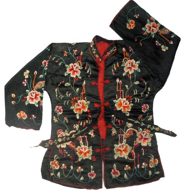 Preload https://img-static.tradesy.com/item/1418724/antique-chinese-silk-jacket-tunic-size-4-s-0-0-650-650.jpg