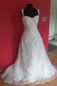 St. Patrick Esau (75l) Wedding Dress