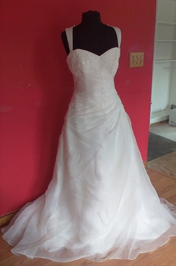 Preload https://img-static.tradesy.com/item/14192407/st-patrick-ivory-garza-esau-bridal-75l-formal-wedding-dress-size-14-l-0-1-540-540.jpg