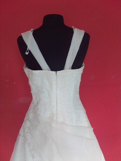 St. Patrick Ivory Garza Esau Bridal (75l) Formal Wedding Dress Size 14 (L)