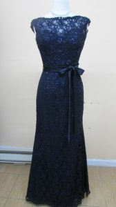 Mori Lee Navy Lace 121 Modern Bridesmaid/Mob Dress Size 12 (L)