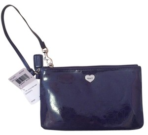 Coach Small Wristlet in violet / Purple