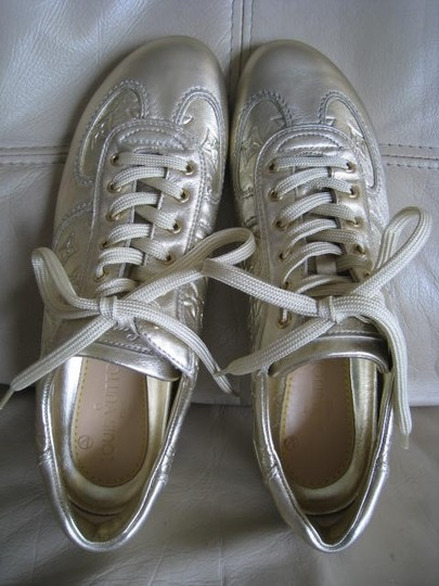 Louis Vuitton Limited Edition Rare Mirror Metallic Silver / Light Gold Athletic Image 4