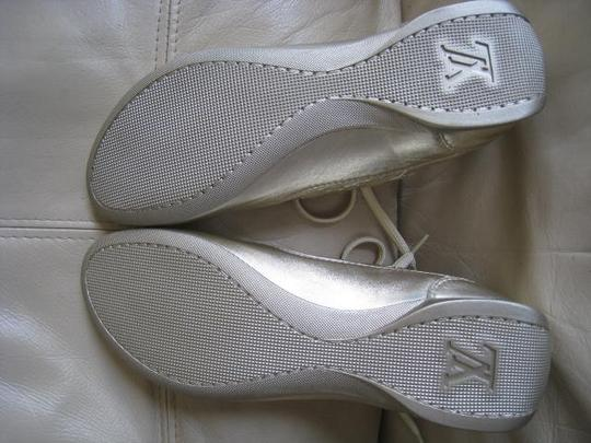 Louis Vuitton Limited Edition Rare Mirror Metallic Silver / Light Gold Athletic Image 6