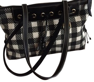 Dooney & Bourke Tote in Black/white