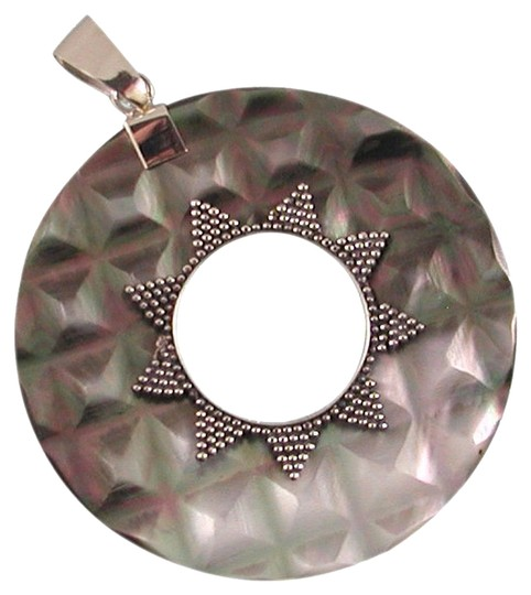 Island Silversmith Island Silversmith Hand-Carved Mother of Pearl .925 Sterling Silver Pendant 0601P *FREE SHIPPING*