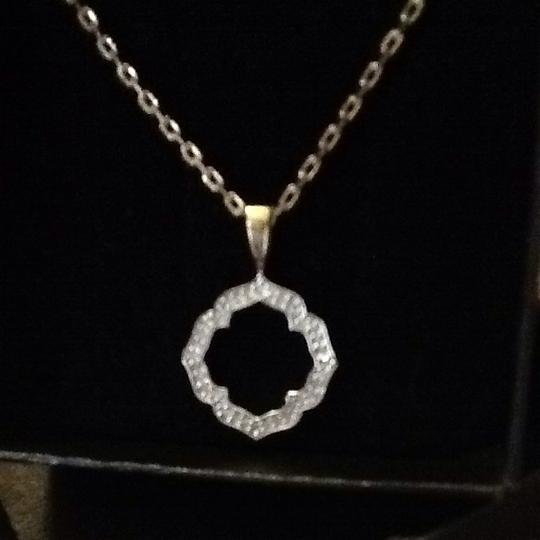 Cindy Crawford One kiss Diamond And Vermeil Pendant in box