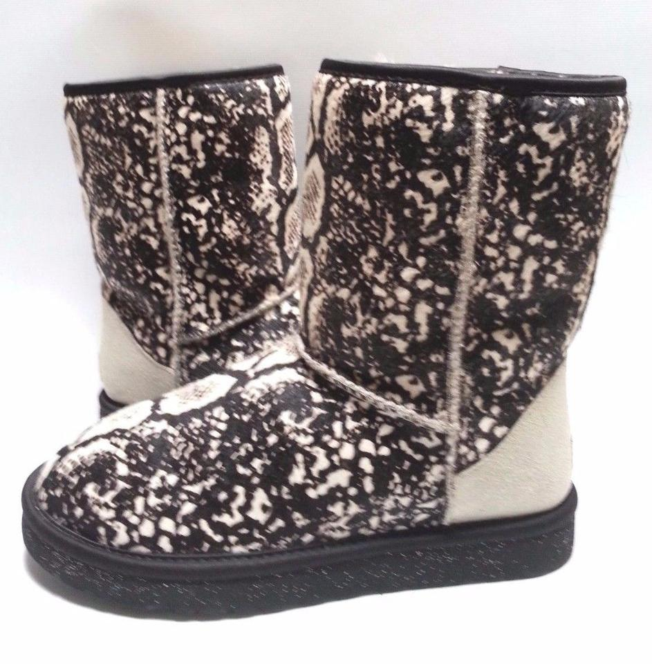 f3c56ac8f32 UGG Australia Snake Cream Exotic Boots/Booties Size US 7 Regular (M, B)