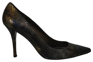 Stuart Weitzman -embossed Classic Pointed Toe Snake Pumps