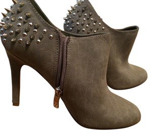 Jessica Simpson Gray Boots