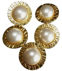 Chanel REDUCED! CHANEL FAUX PEARL GOLD TONE METAL FIVE BUTTONS