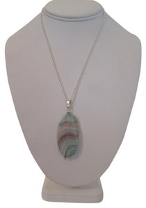ARTISAN AQUA AGATE OVAL PENDANT WITH SILVER PLATED BAIL NECKLACE