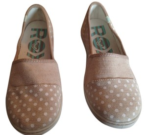 Roxy Canvas Summer Tan with white polka dots Flats