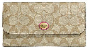 Coach F51103 PEYTON SIGNATURE CHECKBOOK WALLET