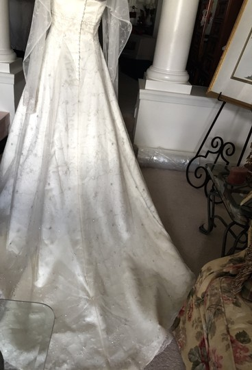 Ian Stuart Champagne/Ivory/Gold Taffeta Beaded Lace Designer Bridal Formal Wedding Dress Size 6 (S)