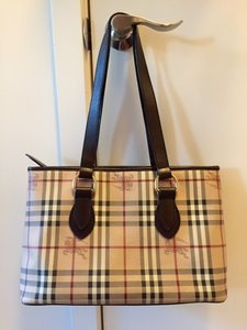 Burberry Haymarket Classic Shoulder Check Leather Tote in Chocolate d996d7a53e