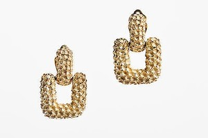 Vintage Ciner Gold Tone Textured Square Clip On Drop Earrings