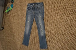 American Eagle Outfitters 'artist' Stretch Size 6 Exact Measurements Are 30 Capri/Cropped Denim-Medium Wash