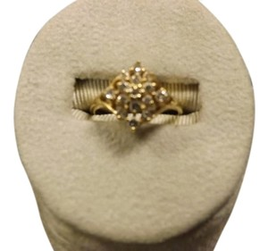 14k Yellow Gold and Diamond Beautiful Diamond Cluster Ring
